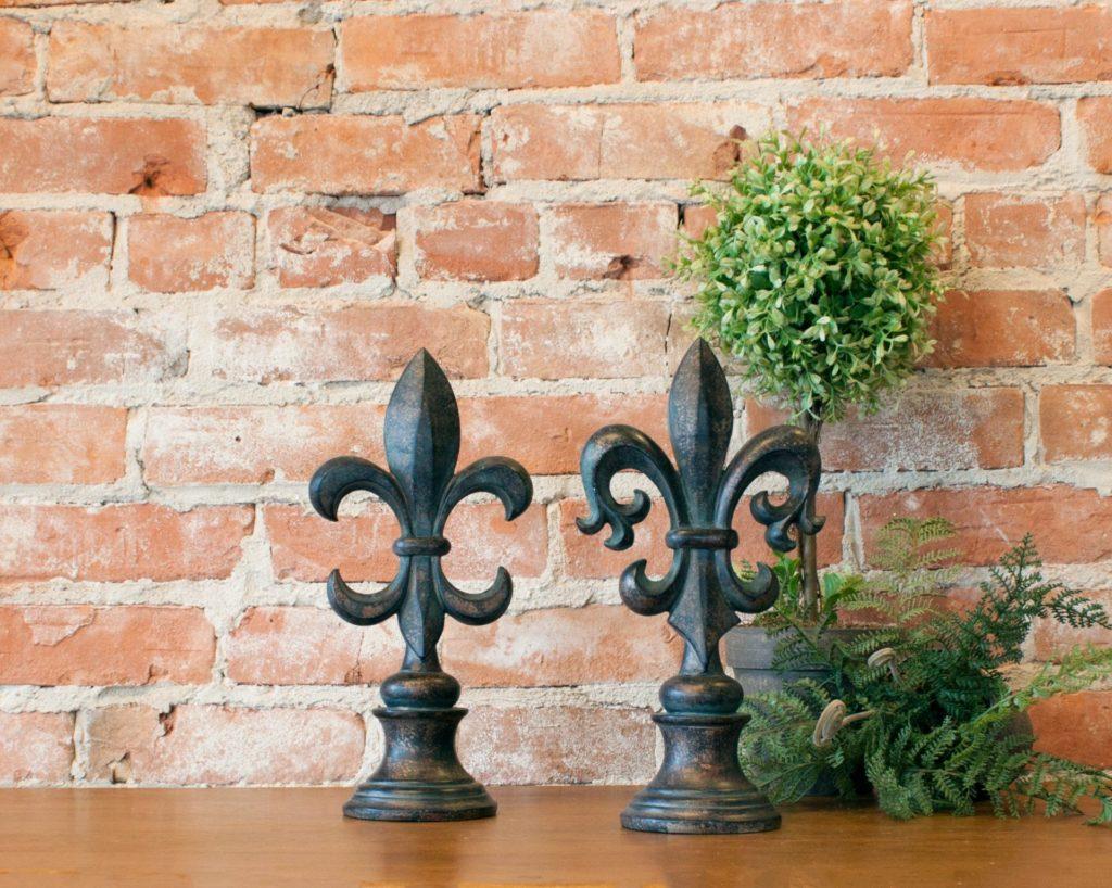 ponteira flor de lis em bronze para grade e portão
